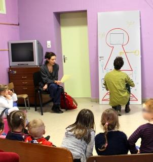 ORAN – CLEA Résidence Mission Communauté de Communes Sud-Avesnois - 2018 – D'un monde à l'autre - Maternelle Jules Guesde - Fourmies - performance lecture dessin